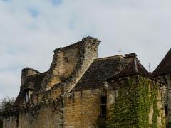 Château de la Faye - Français:   Les toits, côté sud du château de la Faye, Auriac-du-Périgord, Dordogne, France.