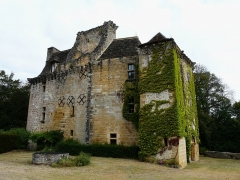 Château de la Faye - Français:   Le château de la Faye vu du sud-sud-est, Auriac-du-Périgord, Dordogne, France.