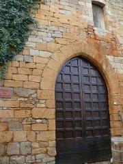 Château - Français:   Château de Berbiguières - Ancienne porte d\'entrée