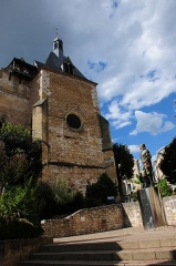 Eglise Saint-Jacques -  Medieval church at Bergerac with Cyrano statue