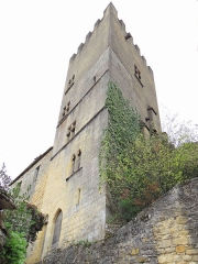 Restes de l'ancien couvent de Beynac - Français:   Beynac - Tour du couvent