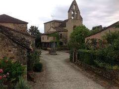 Eglise Notre-Dame-de-Bourg -  For de castle of Biron
