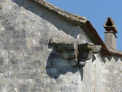 Presbytère - Français:   Corbeaux d\'angle du château de Bouniagues, Dordogne, France.