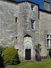 Presbytère - Français:   La tour du château (ancien presbytère), Bouniagues, Dordogne, France.