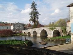 Pont sur la Dronne -  Bourdeilles en Dordogne