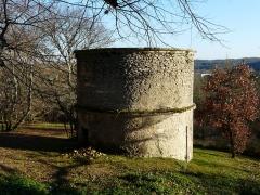 Château de Puymarteau - Français:   Le pigeonnier du château de Puymarteau, Brantôme, Dordogne, France