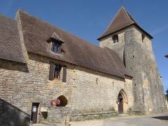Eglise Saint-Martin de Sireuil - Français:   Église Saint-Pierre de Sireuil - Façade sud et portail