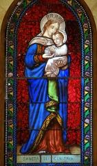 Eglise Saint-Martin de Sireuil - Français:   Église Saint-Pierre de Sireuil - Vitrail de l\'abside: Sancta Dei Genitrix