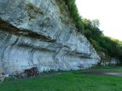 Grotte du château de Comarque - Français:   Le site de la grotte du château de Commarque, Les Eyzies-de-Tayac-Sireuil, Dordogne, France.