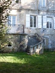 Château de Javerlhac - Deutsch: Aussentreppe des Schlosses aus dem 16. Jh
