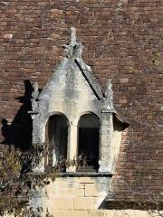 Manoir de Roucaudou - Français:   Lucarne du manoir de Roucaudou, Manaurie, Dordogne, France.