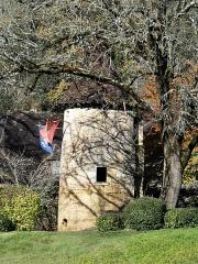 Manoir de Roucaudou - Français:   Petite tour orientale du manoir de Roucaudou, Manaurie, Dordogne, France.