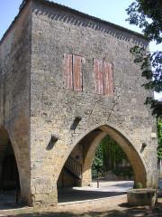 Maison à arcades du 14e siècle - Français:   Molières