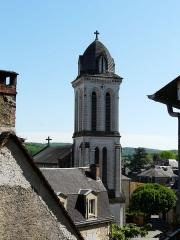 Eglise Saint-Pierre-ès-Liens - Français:   Le clocher de l\'église Saint-Pierre-ès-Liens de Montignac, Dordogne, France.