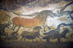 Grotte de Lascaux - English: Reproductions of some Lascaux artworks in Lascaux II.