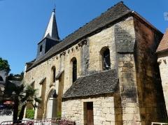 Ancien hôpital Saint-Jean ou ancien prieuré - Français:   La façade occidentale de la chapelle de l\'ancien prieuré, Montignac, Dordogne, France.
