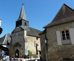 Ancien hôpital Saint-Jean ou ancien prieuré - Français:   La chapelle de l\'ancien prieuré vue depuis l\'ouest, Montignac, Dordogne, France.