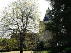 Château de la Chapoulie - Français:   Le côté nord du château de la Chapoulie, Peyrignac, Dordogne, France.