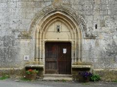 Eglise Notre-Dame de la Nativité - Français:   Le portail de l\'église Notre-Dame-de-la-Nativité, Pressignac-Vicq, Dordogne, France.