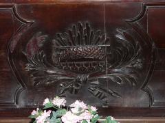 Eglise Saint-Pierre de Faye - Français:   Agneau sculpté sur la face avant de l\'autel, église Saint-Pierre de Faye, Ribérac, Dordogne, France.