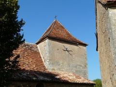 Eglise Saint-Jean et presbytère de Mortemart - Français:   Le clocher de l\'église de Mortemart, Saint-Félix-de-Reillac-et-Mortemart, Dordogne, France.