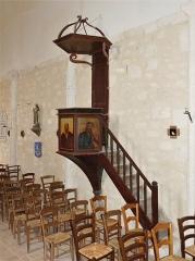 Eglise Sainte-Innocente - Français:   La chaire de l\'église, Sainte-Innocence, Dordogne, France.