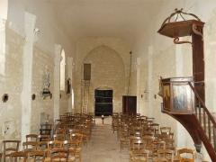 Eglise Sainte-Innocente - Français:   La nef de l\'église, Sainte-Innocence, Dordogne, France.