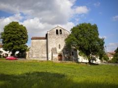 Eglise Saint-Just et Saint-Jacques - English: The village church of Saint-Just, Dordogne, France. The photo is taken from the west.