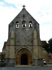 Eglise Saint-Ours - Français:   La façade ouest de l\'église Saint-Ours, Sainte-Orse, Dordogne, France