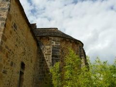 Eglise Saint-Ours - Français:   L\'abside de l\'église Saint-Ours, Sainte-Orse, Dordogne, France
