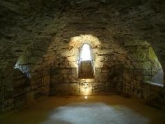 Eglise Saint-Ours - Français:   La crypte de l\'église Saint-Ours, Sainte-Orse, Dordogne, France