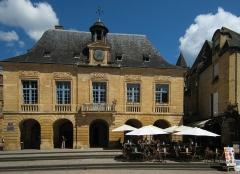 Hôtel de ville - English: Village of Sarlat in the Département of Dordogne/France - old town, hotel de ville