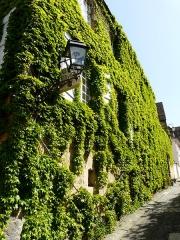 Immeuble - Français:   La façade de l\'immeuble 9 rue Montaigne, Sarlat-la-Canéda, ,Dordogne, France