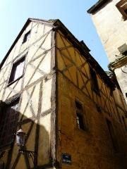 Maison à colombages - Armãneashti: Maison à colombages, 5 rue des Armes, Sarlat-la-Canéda, Dordogne, France.