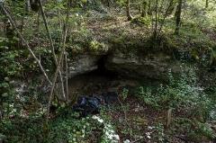 Gisement préhistorique de la Ferrassie - Deutsch: Der kleine Abri der Fundstelle La Ferrassie bei Le Bugue in Frankreich.