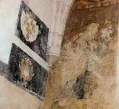 Eglise Saint-Martin - Français:   Vitrac - Eglise Saint-Martin - Chapelle nord - Peinture murale et reste de litre funéraire