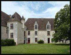 Domaine du Château de Bridoire - Français:   Domaine du château de Bridoire, village de Ribagnac, département de la Dordogne - Façade sud, salon