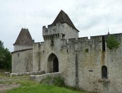 Domaine du Château de Bridoire - Français:   Domaine du château de Bridoire, village de Ribagnac, département de la Dordogne - L\'entrée