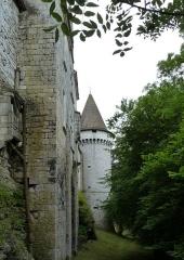 Domaine du Château de Bridoire - Français:   Domaine du château de Bridoire, village de Ribagnac, département de la Dordogne - Le mur nord