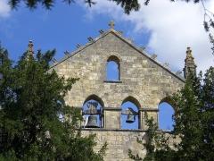 Ancienne abbaye Saint-Nicolas - Deutsch: Glocken in der Westfront, Abtei St Maurice de Blasimon, Aquitanien