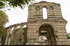 Restes de l'amphithéatre dit Palais Gallien - Français:   Arènes de Bordeaux; entrée nord-ouest.
