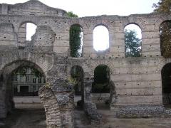 Restes de l'amphithéatre dit Palais Gallien - English:   Palais Galien, Roman amphitheatre in Bordeaux, France.