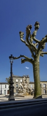Fontaine Amédée-Larrieu - English: A lamp post in Bordeaux at the