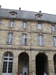 Hôtel des Douanes -  Façade intérieur de l'hôtel des douanes de Bordeaux, vue depuis la cour.