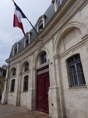 Hôtel de la Marine - English: Hôtel de la marine, Place de Tourny, Bordeaux, France, July 2014
