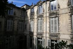 Ancien Hôtel de l'Octroi, dit Hôtel de Ragueneau - English: Hôtel de Ragueneau, depuis la tonnelle