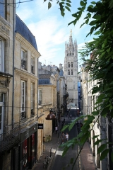 Ancien Hôtel de l'Octroi, dit Hôtel de Ragueneau - English: Tour Pey berland, depuis la tonnelle de l'Hôtel de Ragueneau