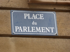 Place du Parlement - English: Sign on Place du Parlement, Bordeaux, France, July 2014
