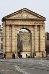 Porte d'Aquitaine - Deutsch: Porte d'Aquitaine in Bordeaux (Region Aquitanien, Frankreich), 1746 von André Portier errichtet