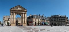 Porte d'Aquitaine - Slovenščina: Foto: Boštjan Burger, julij 2004(Bordeaux - mestno središče)